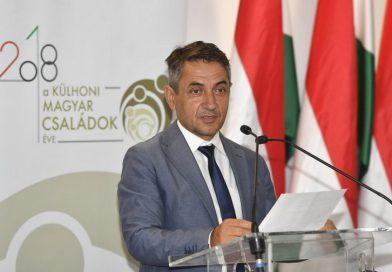 Több mint egymilliárd forintot biztosít Budapest külhoni magyar kultúrára és testvértelepülések támogatására