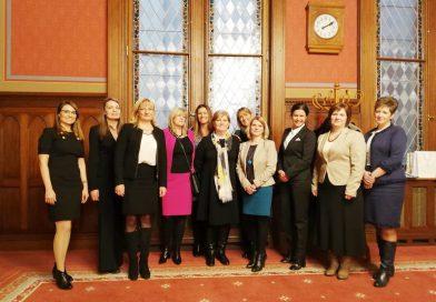 Nők és a nemzet: tanácskozás Budapesten