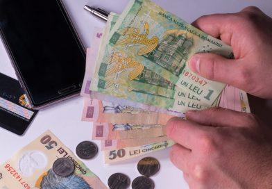 Történelmi mélyponton a román lej az euróval szemben