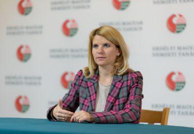 Felfüggesztik az ügyfélfogadást az EMNT Demokrácia-központok