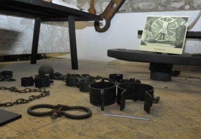 A finánc visszaállítaná az adósok börtönét