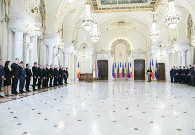 A jó zsíros diplomáciai küldetésért gyakorlatilag semmilyen munkát nem végeztek